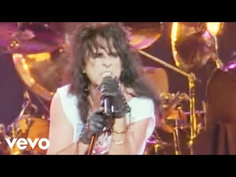 Alice Cooper – No More Mr. Nice Guy (from Alice Cooper: Trashes The World) [Official Video]