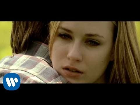 Green Day – Wake Me Up When September Ends [Official Music Video]