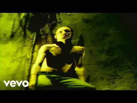 Alice In Chains – Angry Chair